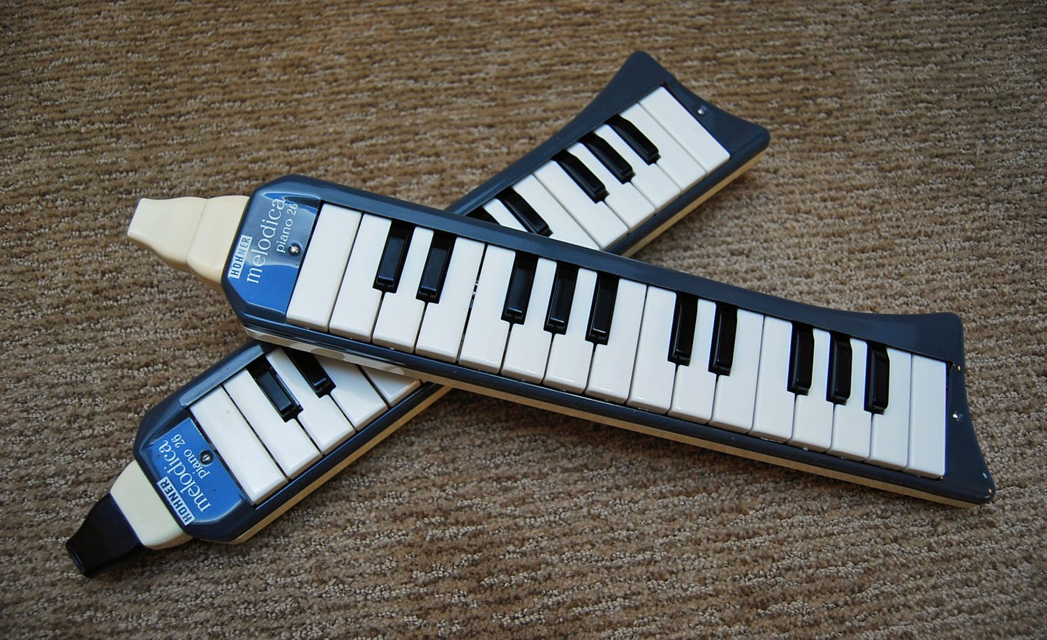 Old Hohner Piano 26s Front