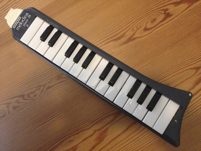 Hohner piano 26