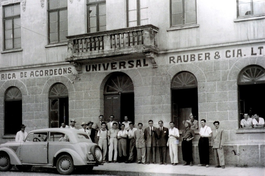 January, 1949: employees and managers gather in front of the Universal factory
