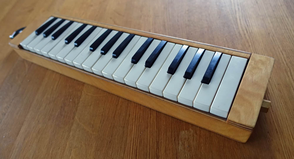 wooden melodica yamaha P32D